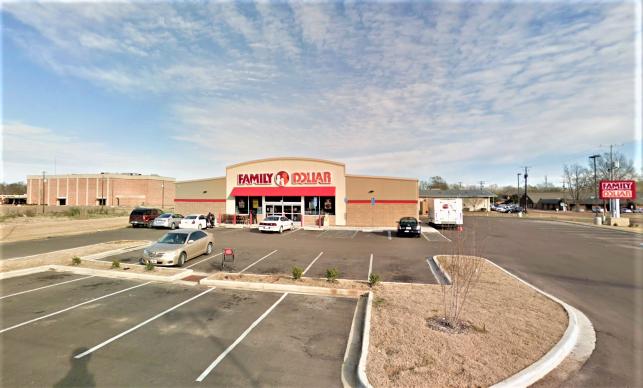 700 Highway 7 N, Greenwood, Mississippi 38930, ,Retail,For Sale,700 Highway 7 N,1051